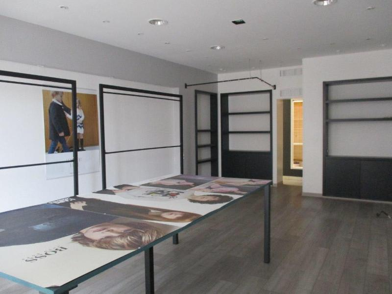 Location local commercial Ales 732€ HC - Photo 1