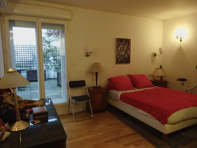 Sale apartment Courbevoie 1 050 000€ - Picture 8