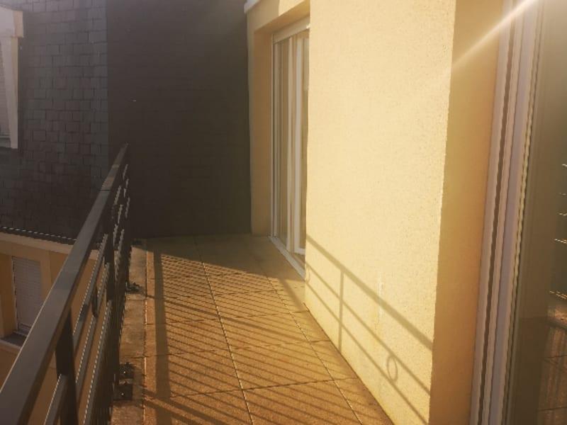 Location appartement Vigneux sur seine 809,59€ CC - Photo 1