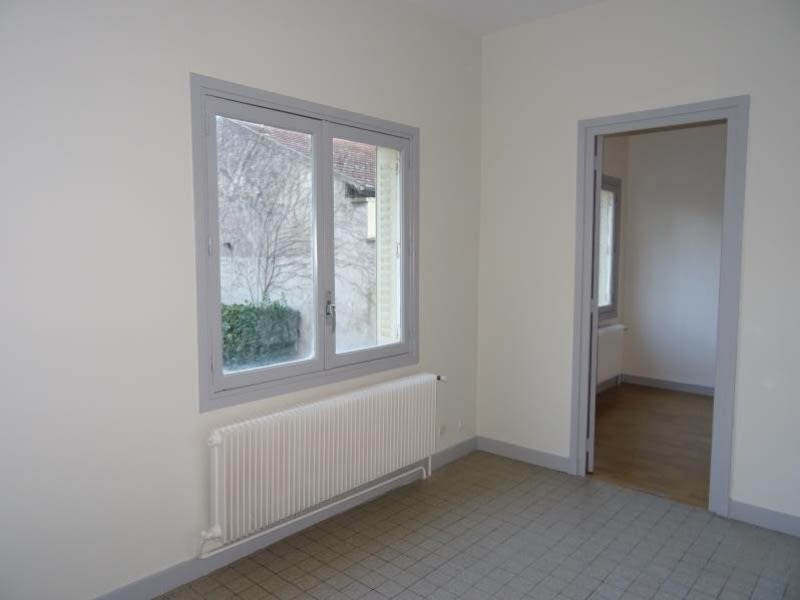 Rental apartment Roanne 310€ CC - Picture 1