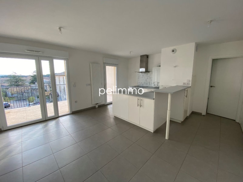 Location appartement Grans 883€ CC - Photo 2