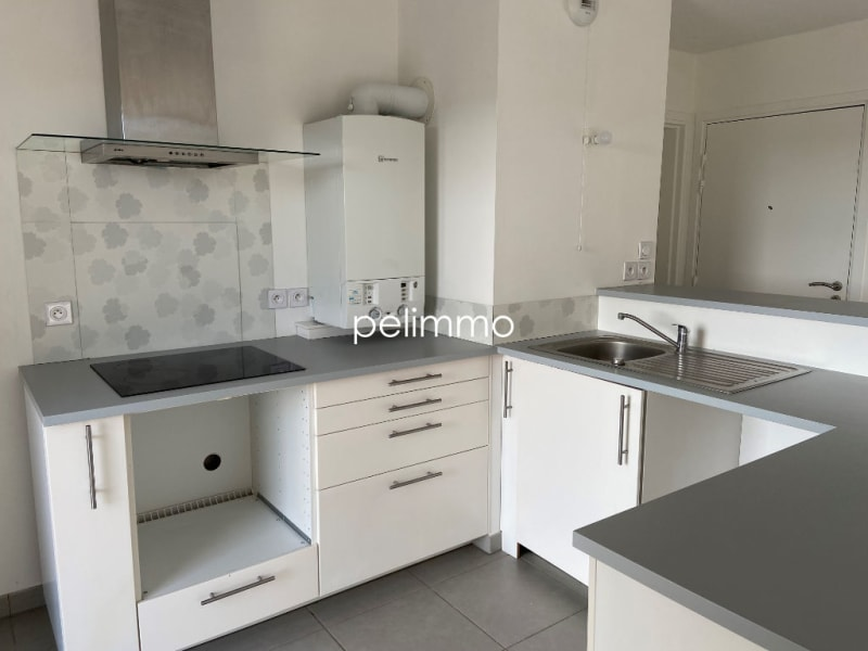 Location appartement Grans 883€ CC - Photo 3