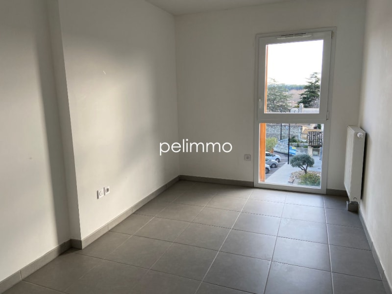Location appartement Grans 883€ CC - Photo 5
