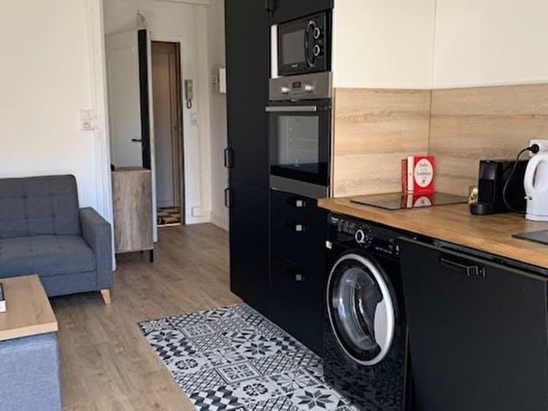 Rental apartment Juan les pins 690€ CC - Picture 1