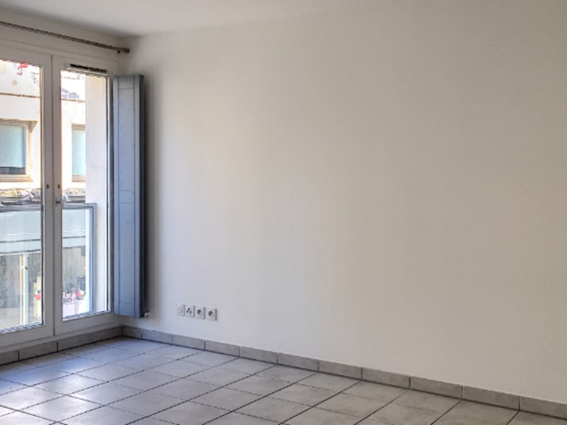 Rental apartment Avignon 750€ CC - Picture 1