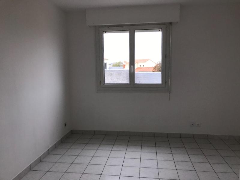 Sale apartment Les sables d olonne 73500€ - Picture 2