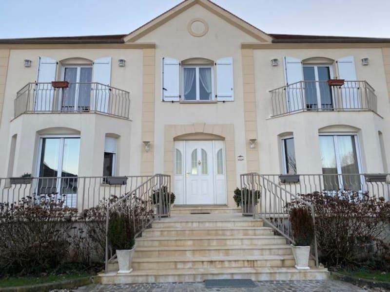 Sale house / villa Luzarches 693000€ - Picture 1