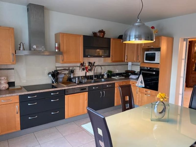 Sale house / villa Luzarches 693000€ - Picture 2