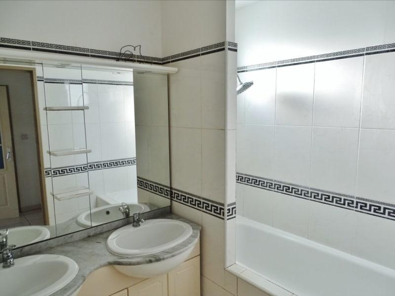 Rental apartment Saint gilles les bains 817€ CC - Picture 7