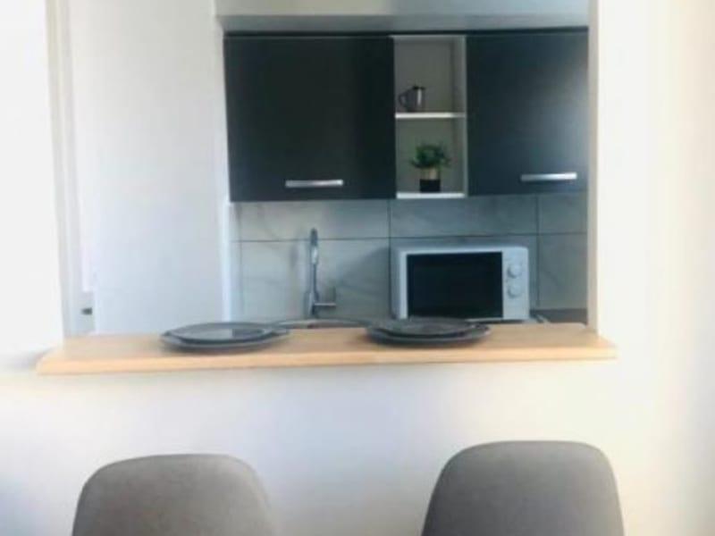 Location appartement Asnieres sur seine 870€ CC - Photo 2