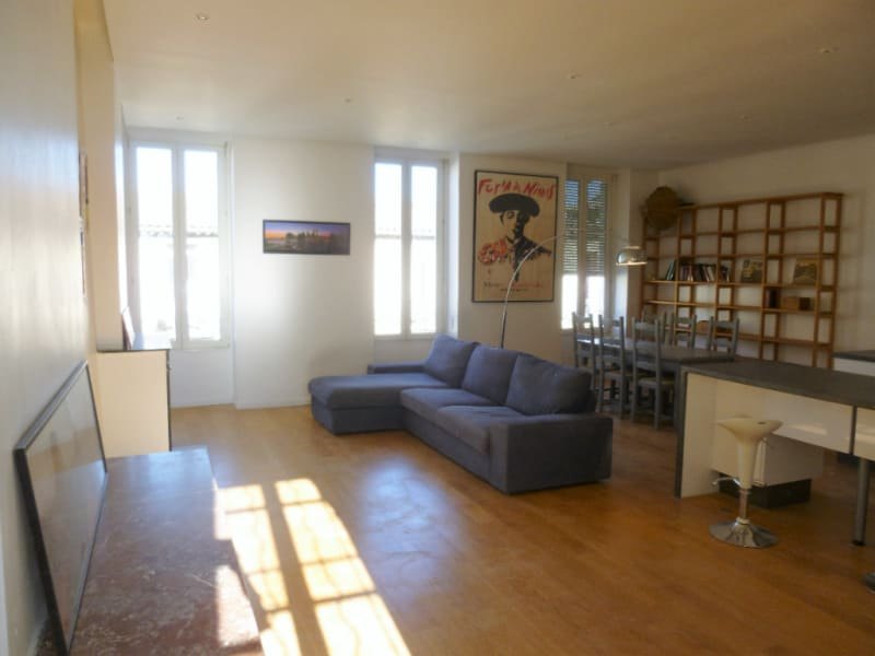 Sale apartment Nimes 233 000€ - Picture 2