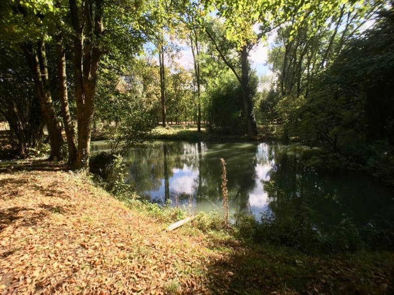Sale house / villa La chartre sur le loir 218000€ - Picture 5