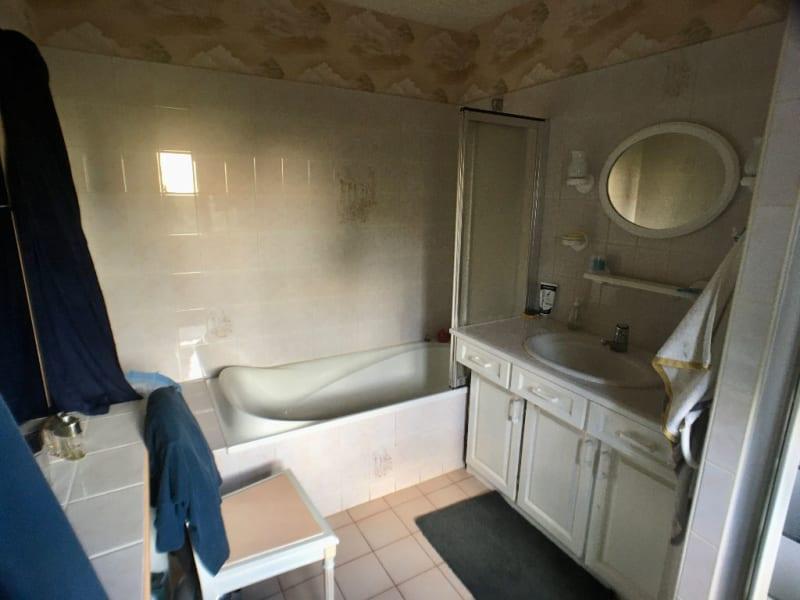 Sale house / villa La chartre sur le loir 218000€ - Picture 11