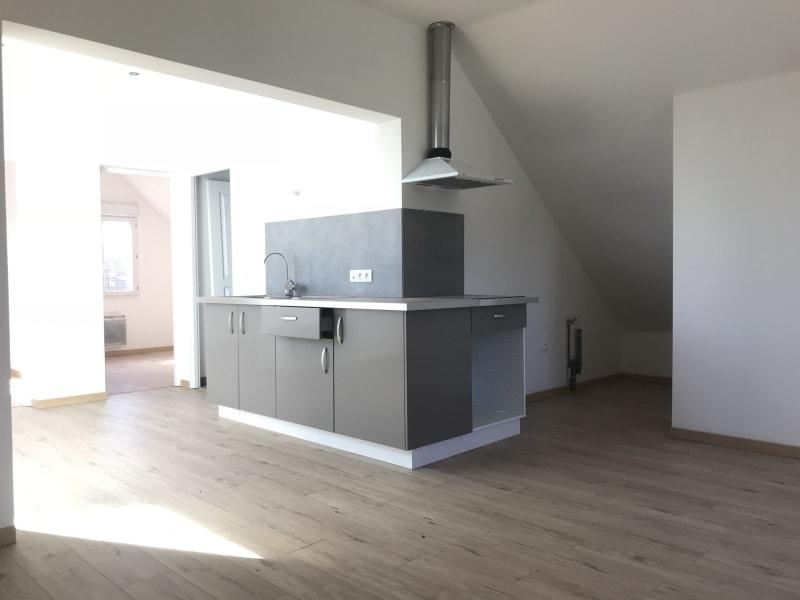 Rental apartment La ville du bois 775€ CC - Picture 1