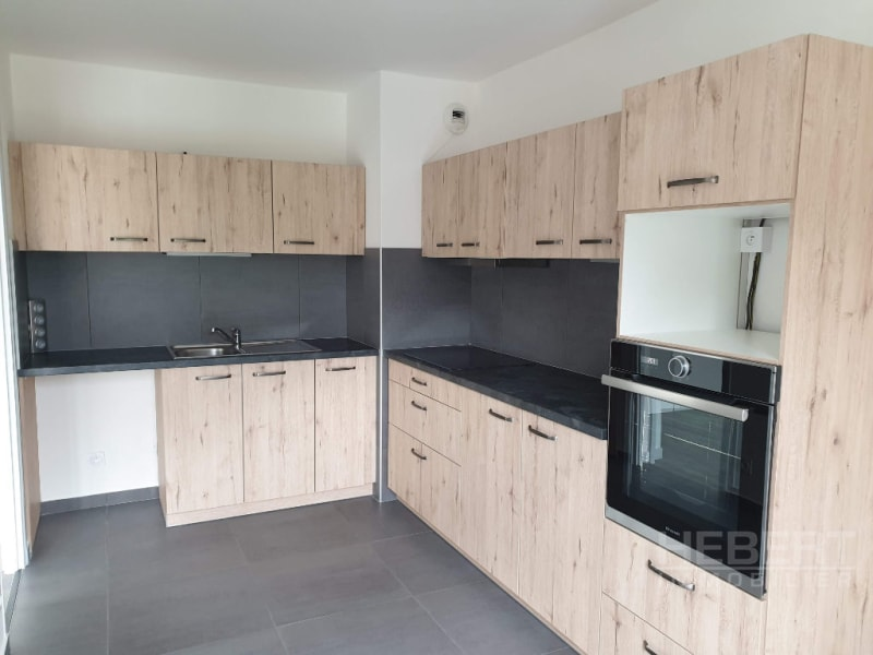 Location appartement Sallanches 990€ CC - Photo 1