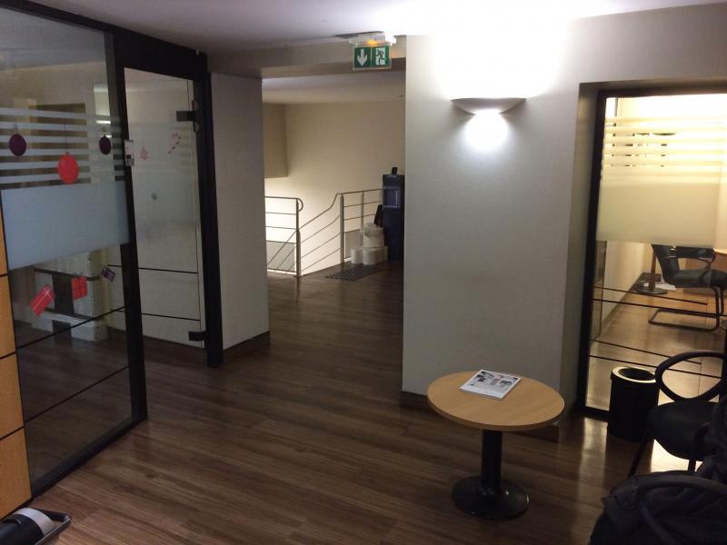 Rental apartment Paris 8ème 12633,33€ CC - Picture 2