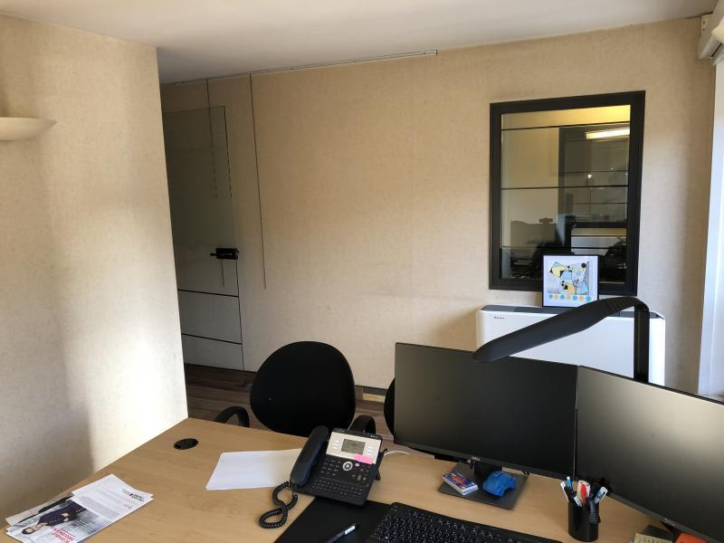 Rental apartment Paris 8ème 12633,33€ CC - Picture 8