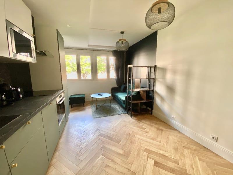 Location appartement Asnieres sur seine 2240€ CC - Photo 2