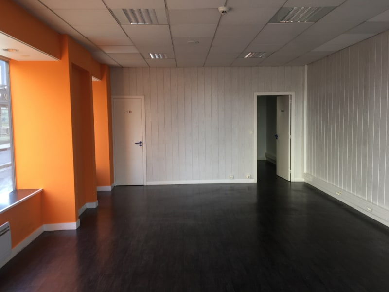 Location local commercial Saint omer 900€ HC - Photo 2