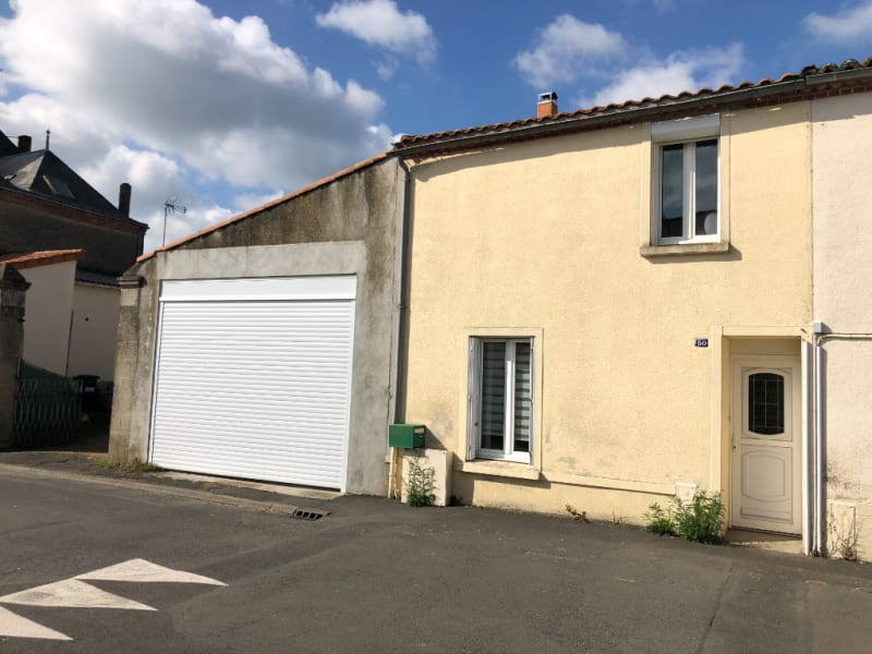 Sale house / villa Roussay 127 840€ - Picture 1