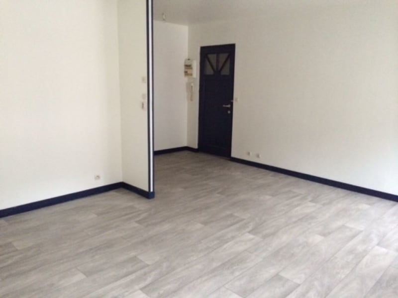 Location appartement Saint quentin 540€ CC - Photo 3