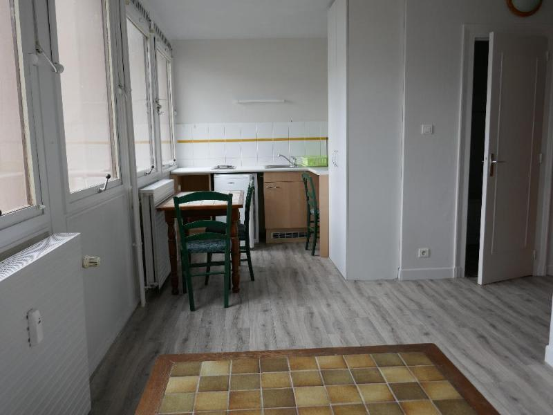 Location appartement Oyonnax 363€ CC - Photo 1