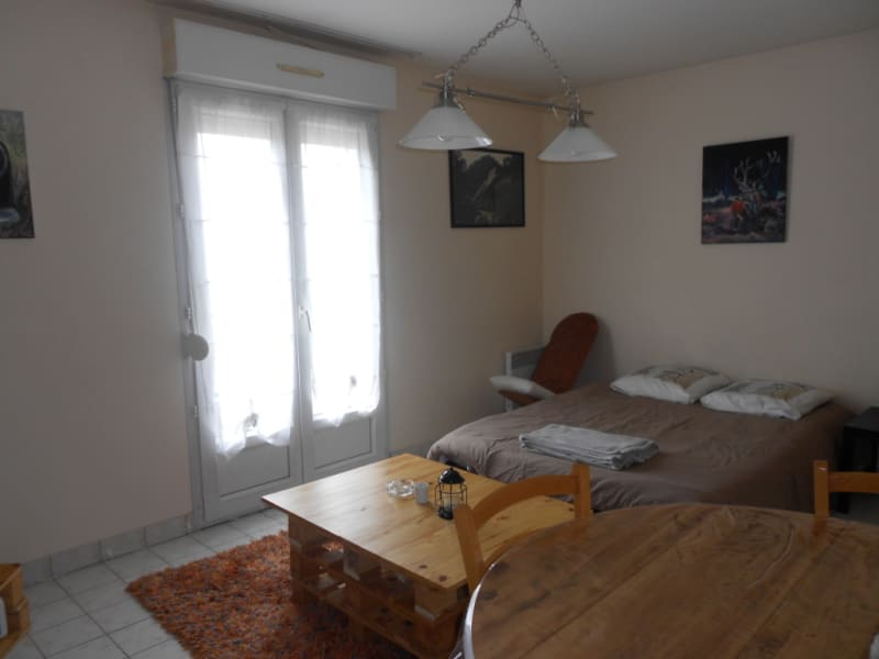 Location appartement Vendome 290€ CC - Photo 1