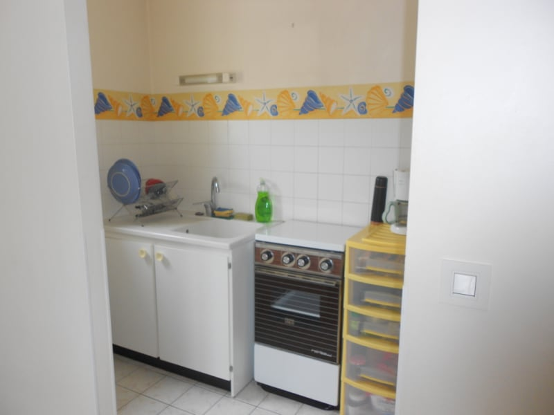 Rental apartment Vendome 290€ CC - Picture 2