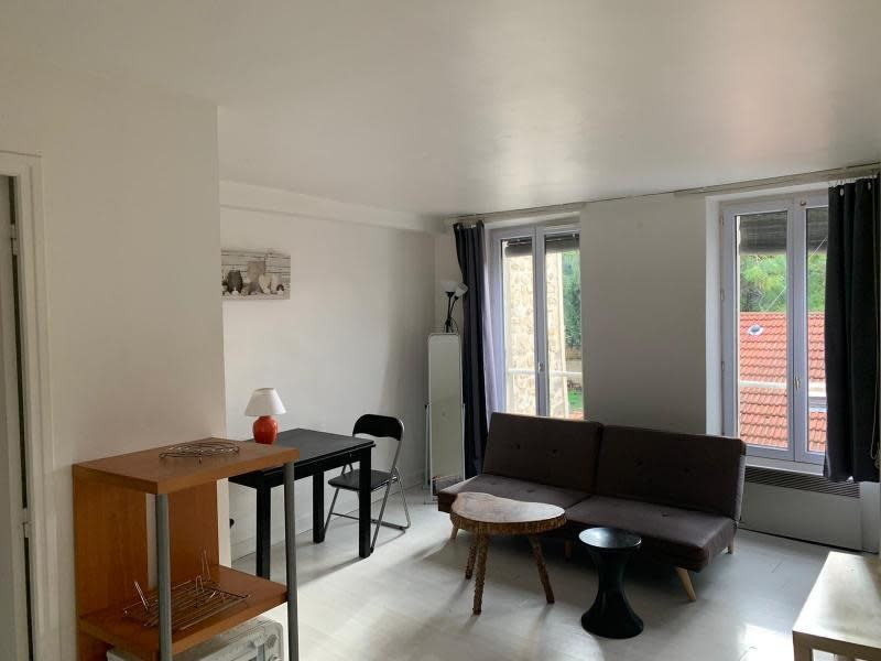 Rental apartment St germain en laye 640€ CC - Picture 1