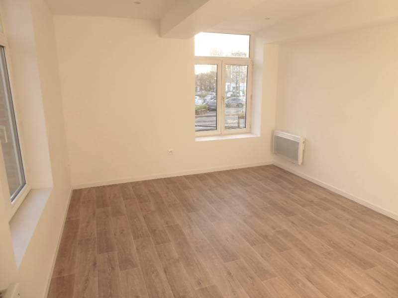 Location appartement Armentieres 474,29€ CC - Photo 2