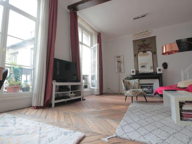 Sale apartment Paris 4ème 825000€ - Picture 2