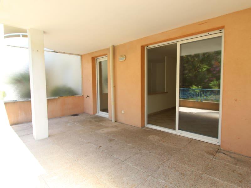 Vendita appartamento Hyères 265000€ - Fotografia 2