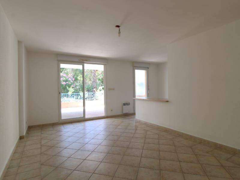 Vendita appartamento Hyères 265000€ - Fotografia 4