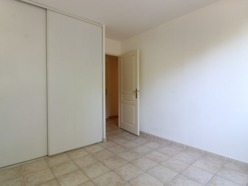 Vendita appartamento Hyères 265000€ - Fotografia 8