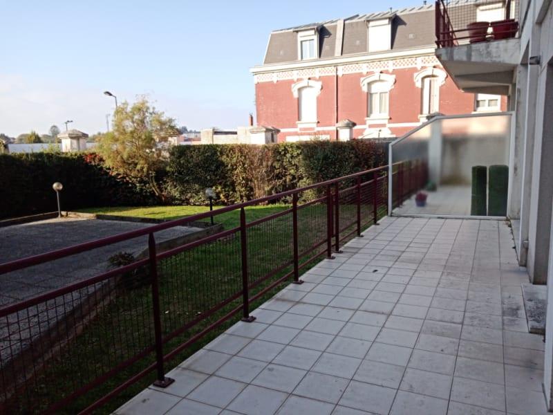 Location appartement Saint quentin 720€ CC - Photo 2