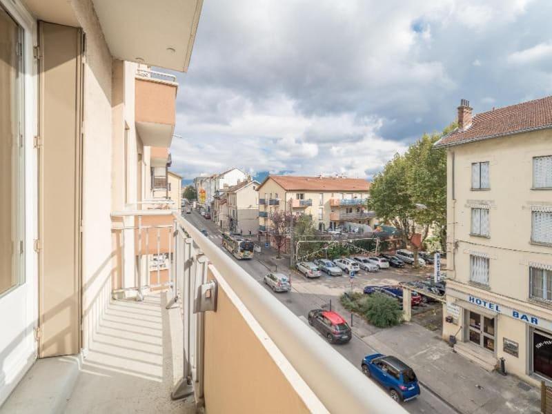 Location appartement Fontaine 620€ CC - Photo 7