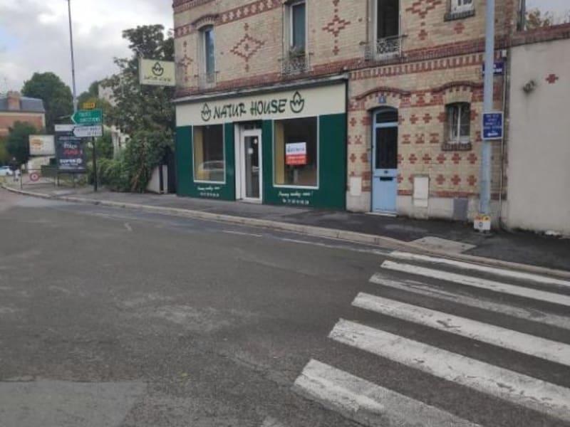 Location local commercial Le pecq 1158,33€ HC - Photo 5