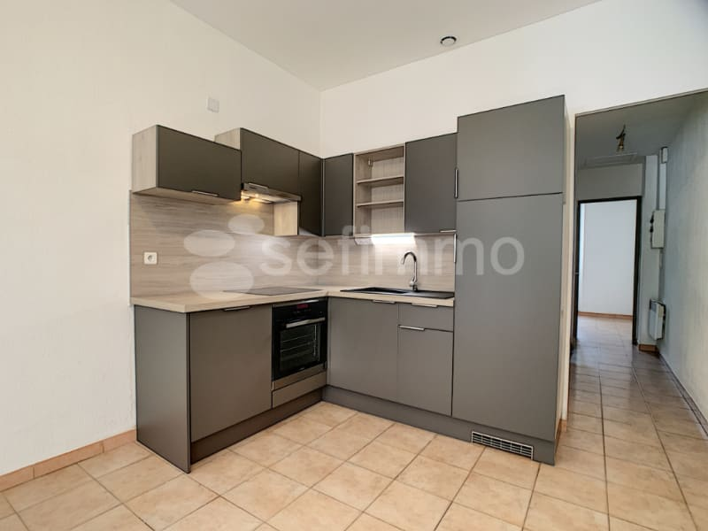 Location appartement Marseille 16ème 673€ CC - Photo 2