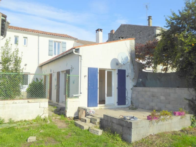 Vente maison / villa Burie 128160€ - Photo 2