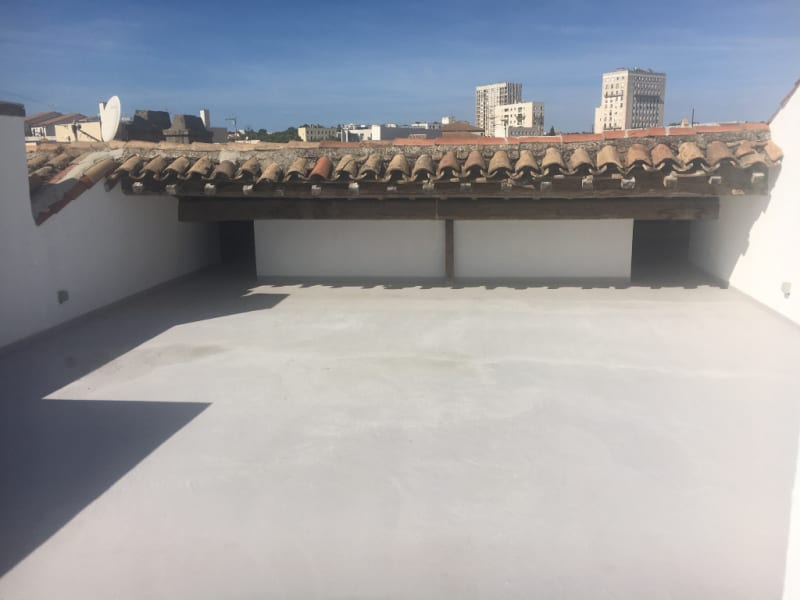 Sale apartment Nimes 233 000€ - Picture 1