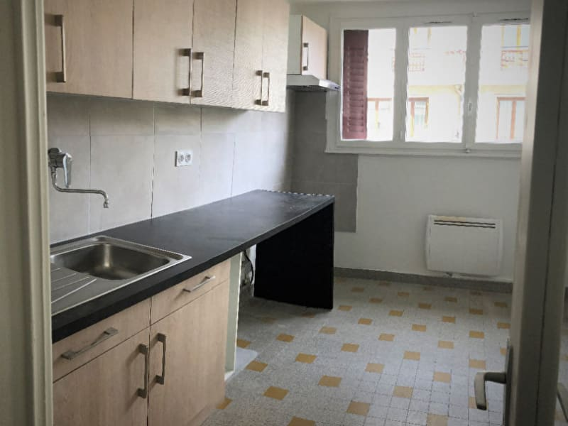 Rental apartment Annecy 930€ CC - Picture 3