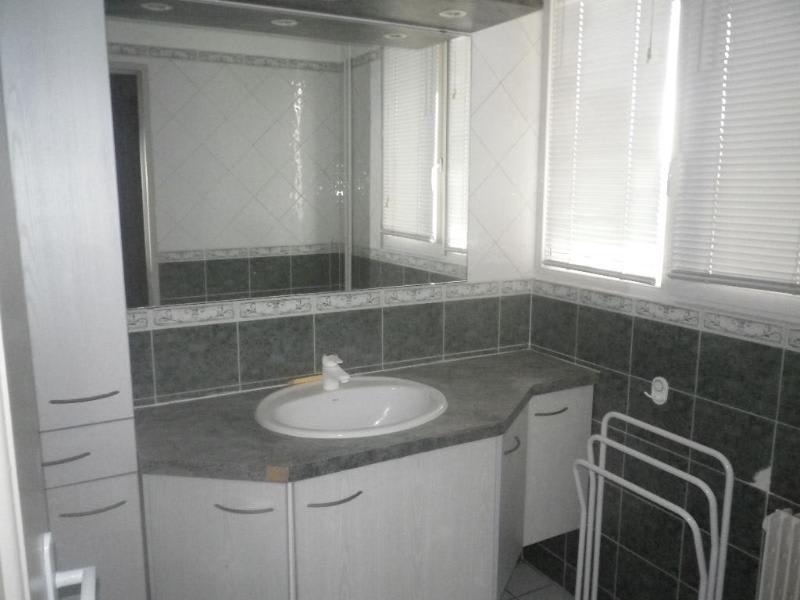 Location appartement Aix en provence 911€ CC - Photo 4