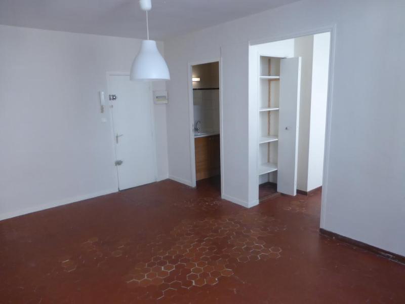 Location appartement Aix en provence 585€ CC - Photo 2