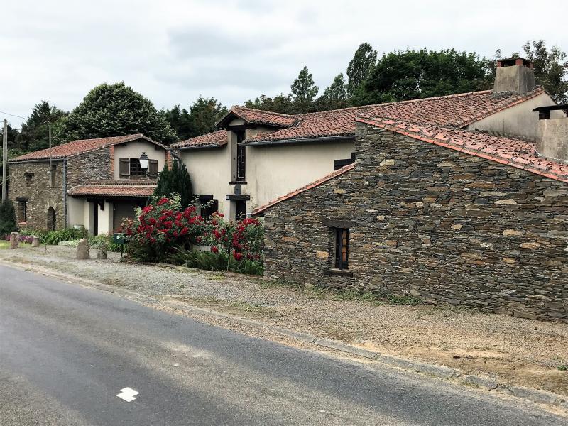 Sale house / villa Geste 469000€ - Picture 1