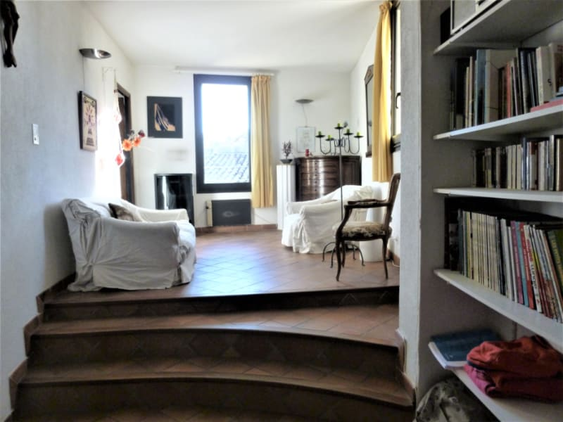 Sale apartment Nimes 150 000€ - Picture 1