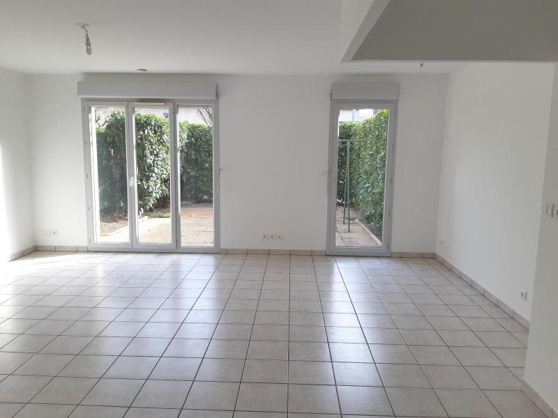 Location maison / villa Belleville en beaujolais 893,50€ CC - Photo 1