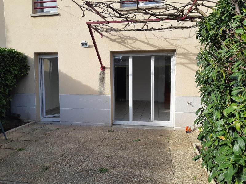 Location maison / villa Belleville en beaujolais 893,50€ CC - Photo 2