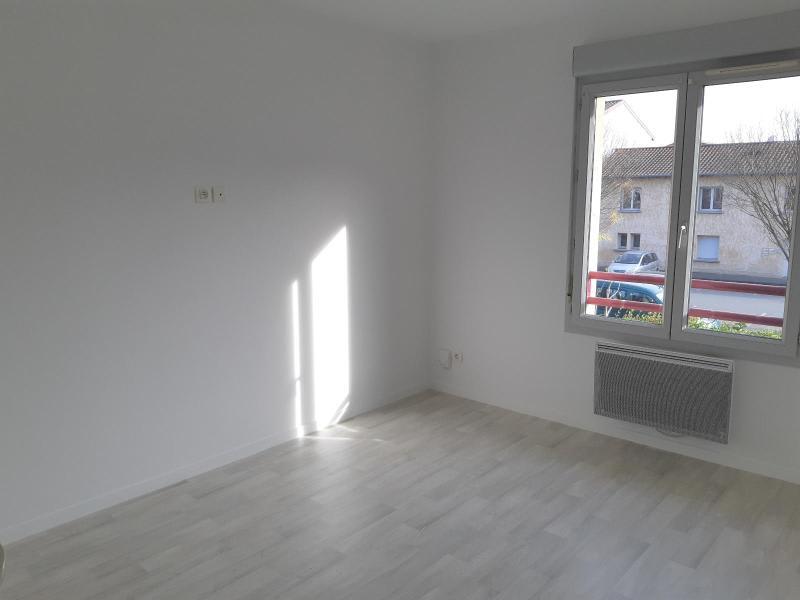 Location maison / villa Belleville en beaujolais 893,50€ CC - Photo 6