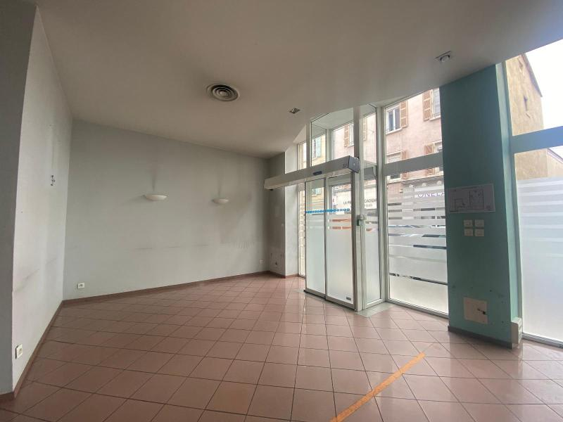 Location local commercial Villefranche sur saone 1 000€ HC - Photo 2