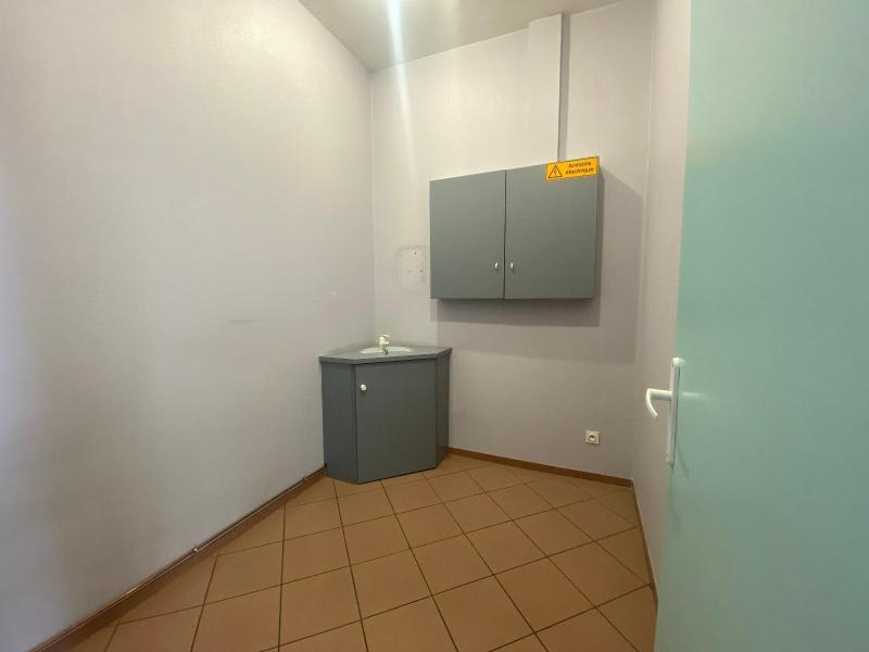 Location local commercial Villefranche sur saone 1 000€ HC - Photo 5